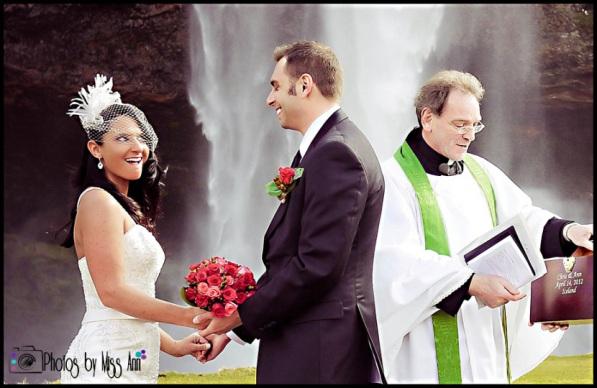 seljalandsfoss waterfall-wedding-iceland-photographer