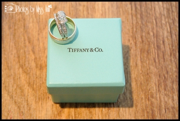 Tiffany Ribbon Ring Iceland Wedding Photographer