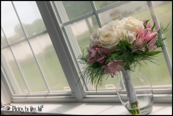 Bridal Bouquet Photos Iceland Wedding Hotel Budir PBMA