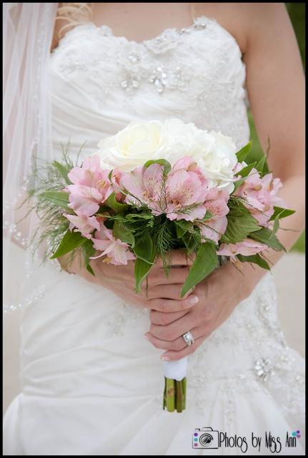 Iceland Seljalandsfoss Wedding Bridal Bouquet Iceland Wedding Planner Photos by Miss Ann