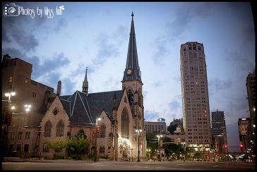 Downtown Detroit Wedding Photos