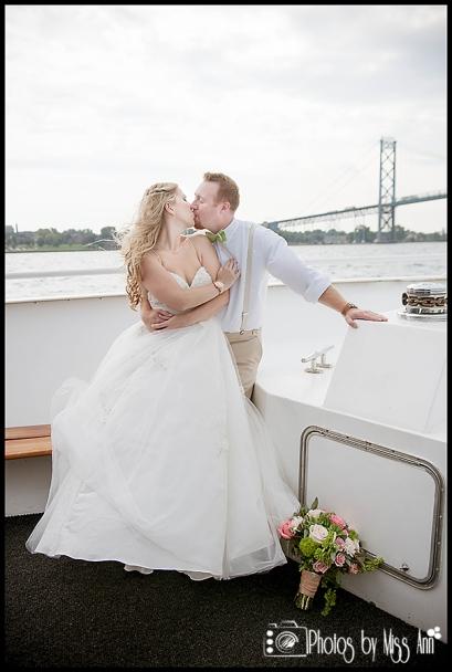 Infinity Yacht Wedding Ambassador Bridge Wedding Photos Michigan Wedding Photographer Photos by Miss Ann