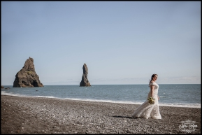 Iceland Wedding Photographer Reynisfjara Beach Wedding (2)