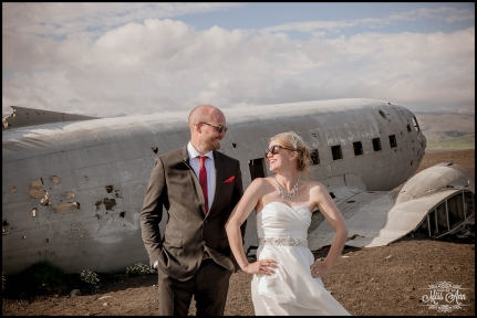 Iceland Wedding Photos Crashed Airplane-10