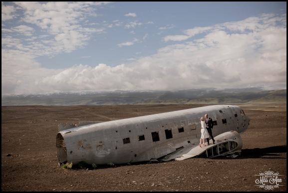 Iceland Wedding Photos Crashed Airplane