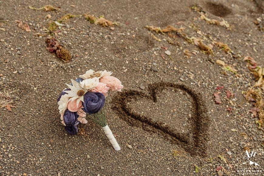iceland-wedding-bouquet-your-adventure-wedding