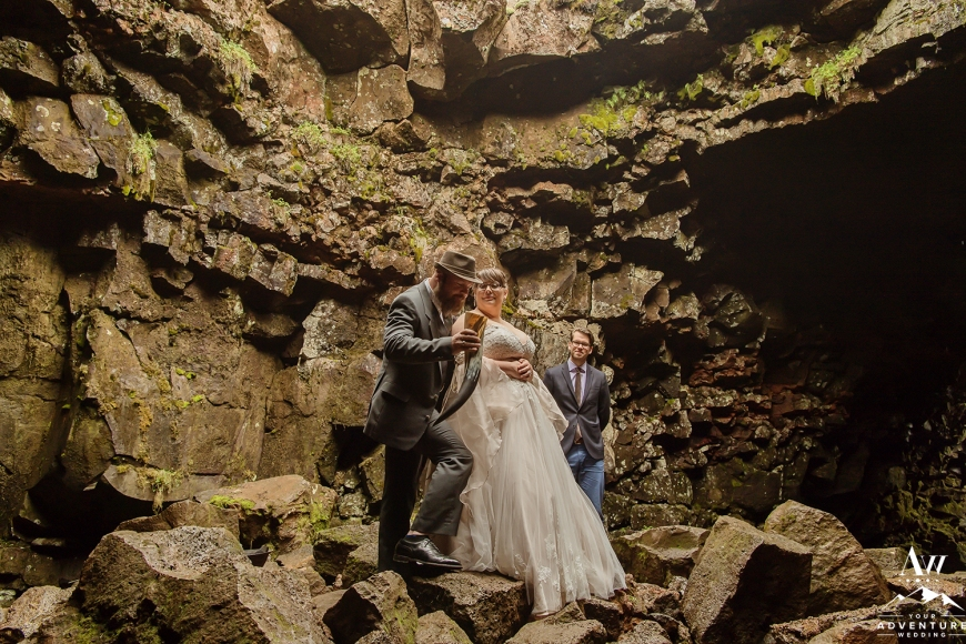 iceland-wedding-photographer-cave-wedding-11
