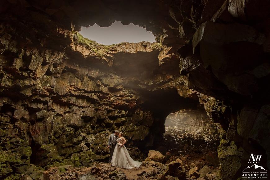 iceland-wedding-photographer-cave-wedding-14