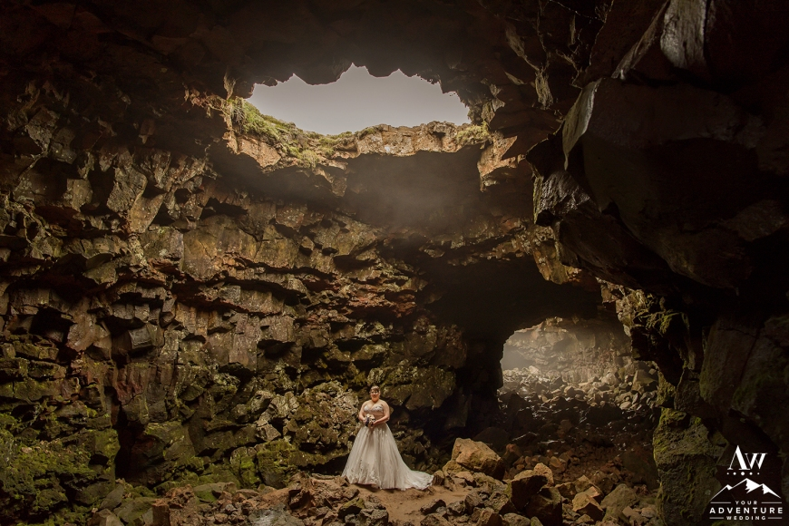 iceland-wedding-photographer-cave-wedding-15