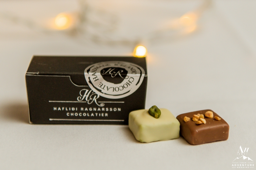 iceland-wedding-party-favor-chocolates