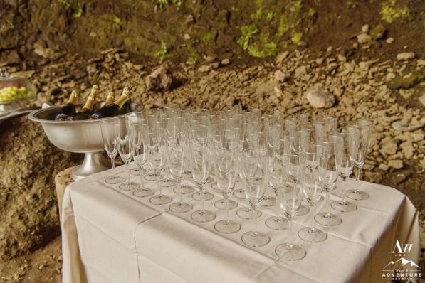 iceland-wedding-champagne-toast