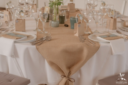 iceland-wedding-rental-burlap-table-runners