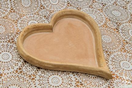 iceland-wedding-rental-heart-tray