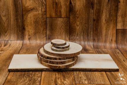 iceland-wedding-rental-wood-slices