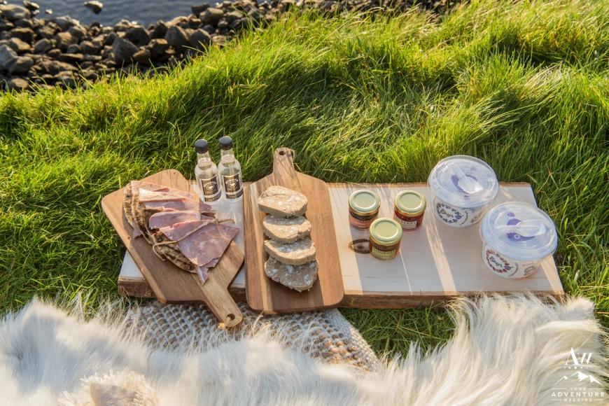 Iceland Wedding Luxury Picnics-5